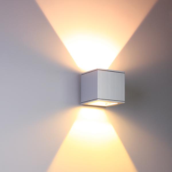 Ligman Lighting's Matrix Wall Light (model UMT-313XX, UMT-314XX).
